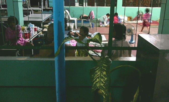 zash_floods_bangkok_temp_housing