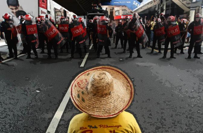 bersih_cops_violence_akr