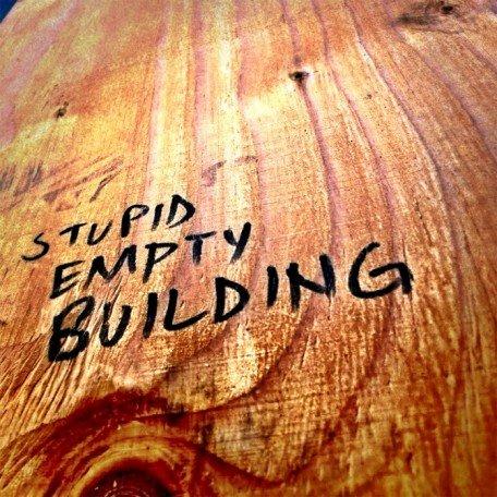 gogoloopie_stupid_empty_building